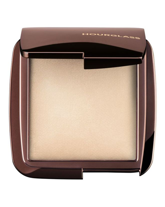hou007_hourglasscosmetics_ambientlightingpowder_diffusedlight_1_1560x1960-bcl7d